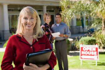 Should property owners appoint real estate agents?